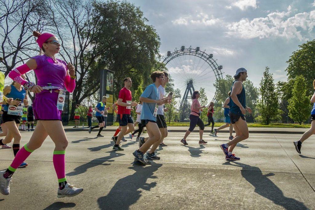 vienna city marathon vor dem wiener riesenrad